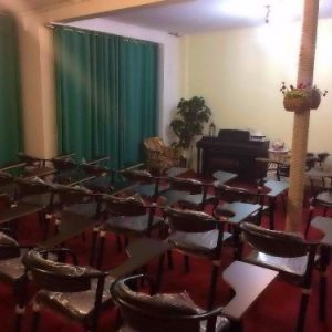 اجاره کلاس درس و سالن تدریس کنفرانس و همایش و تمرین گروهی