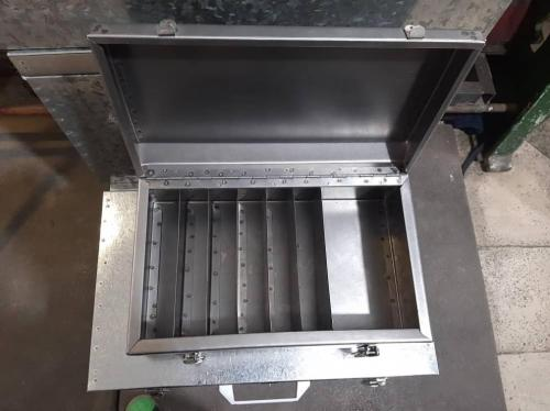 جعبه فلزی